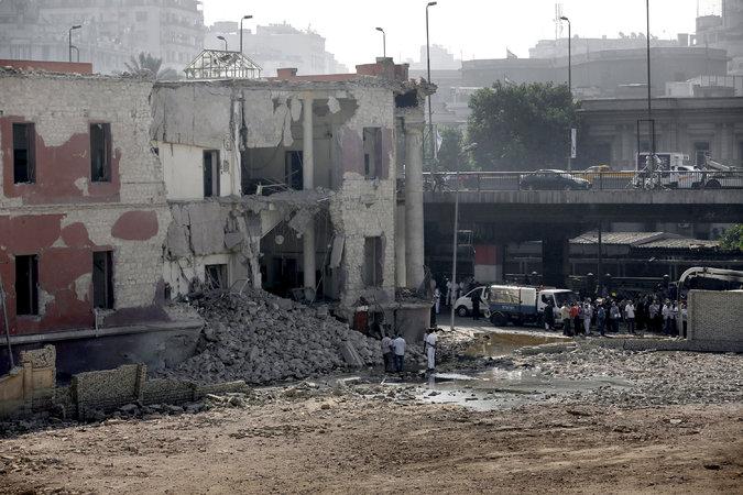 PressTV-'Blast rocks Italy embassy in Cairo'