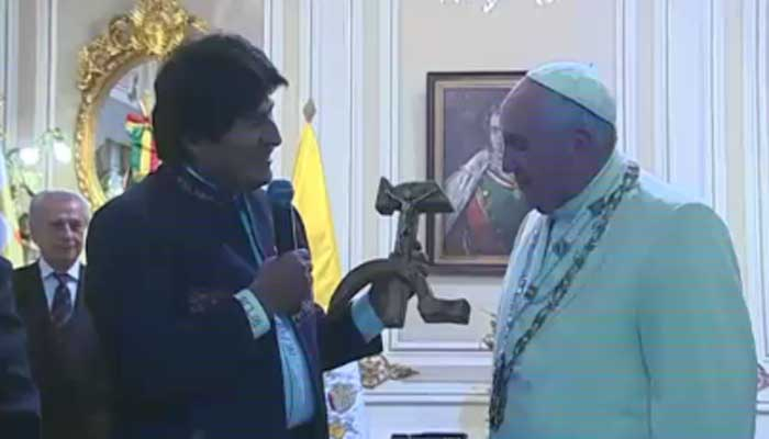 Bolivia's president gives the pope a crucifix carved in a hammer and sickle