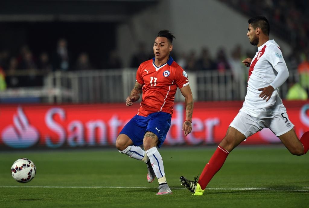 Eduardo Vargas scored twice including a screaming strike to lift Chila to the Copa America final