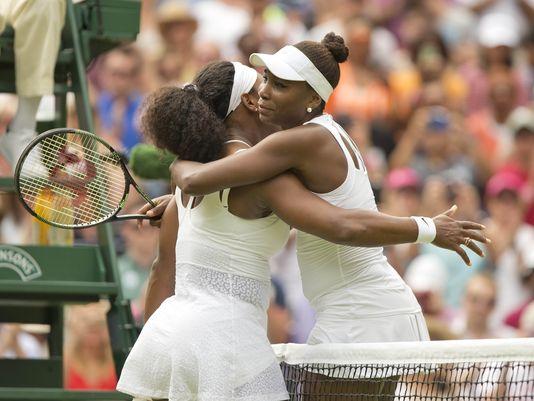 Wimbledon: Serena Williams beats Venus to reach quarterfinals