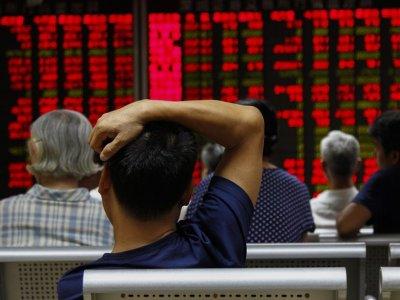 Shanghai stock market suffers biggest drop since 2007