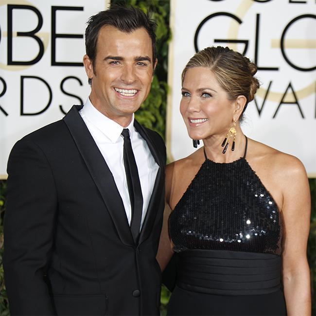 'Newlyweds' Jennifer-Justin go 'honeymooning,' but with pals