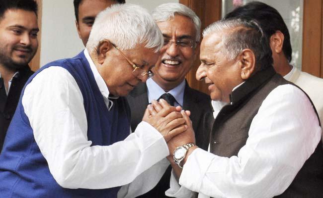 Lalu Prasad to Announce Seat Sharing for Samajwadi Party in Bihar Polls Tomorrow