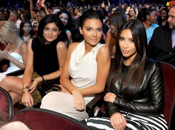 Kylie Jenner's bikini-wearing selfie is... 11:17AM