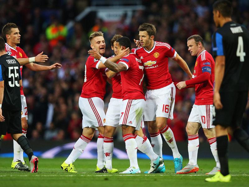 Manchester United Celebrate Memphis Depay's equaliser against Club Brugge