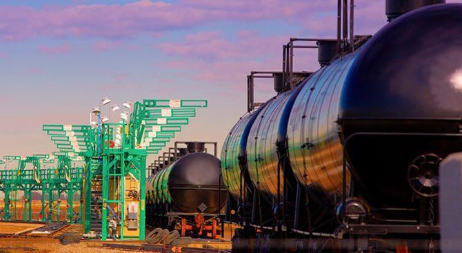 US oil falls towards $40 on global glut