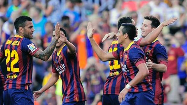Barcelona's Rafinha tears ACL, set to undergo surgery