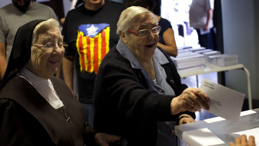 Polls open in key Catalan election