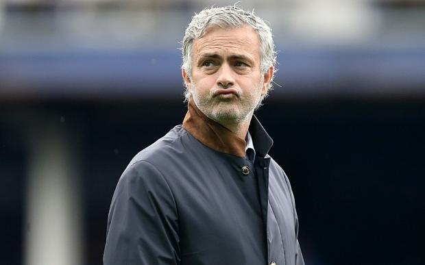 Chelsea manager Jose Mourinho denies he's under pressure after Everton defeat