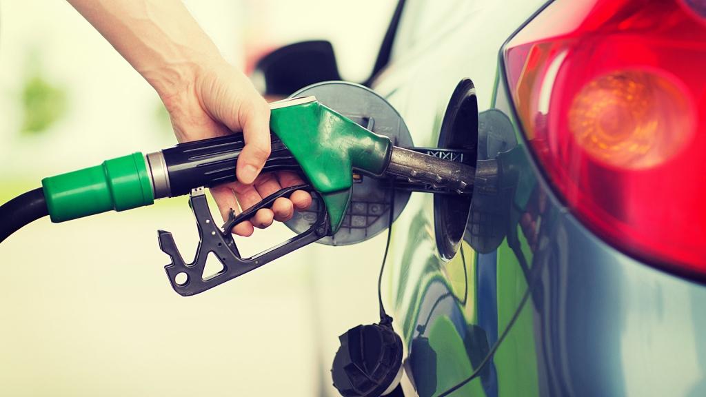 VW shares plunge 20 pct on emissions scandal