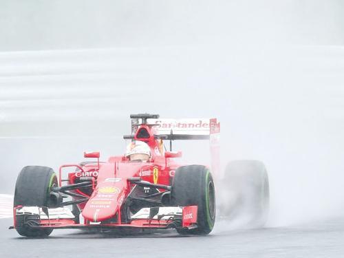Kvyat fastest in wet Suzuka