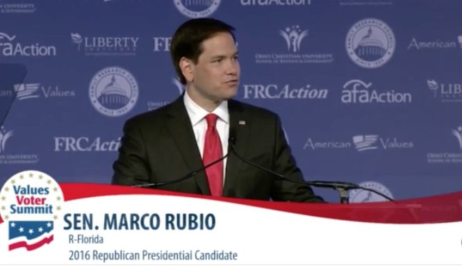 Conservatives boo Donald Trump for criticizing Marco Rubio