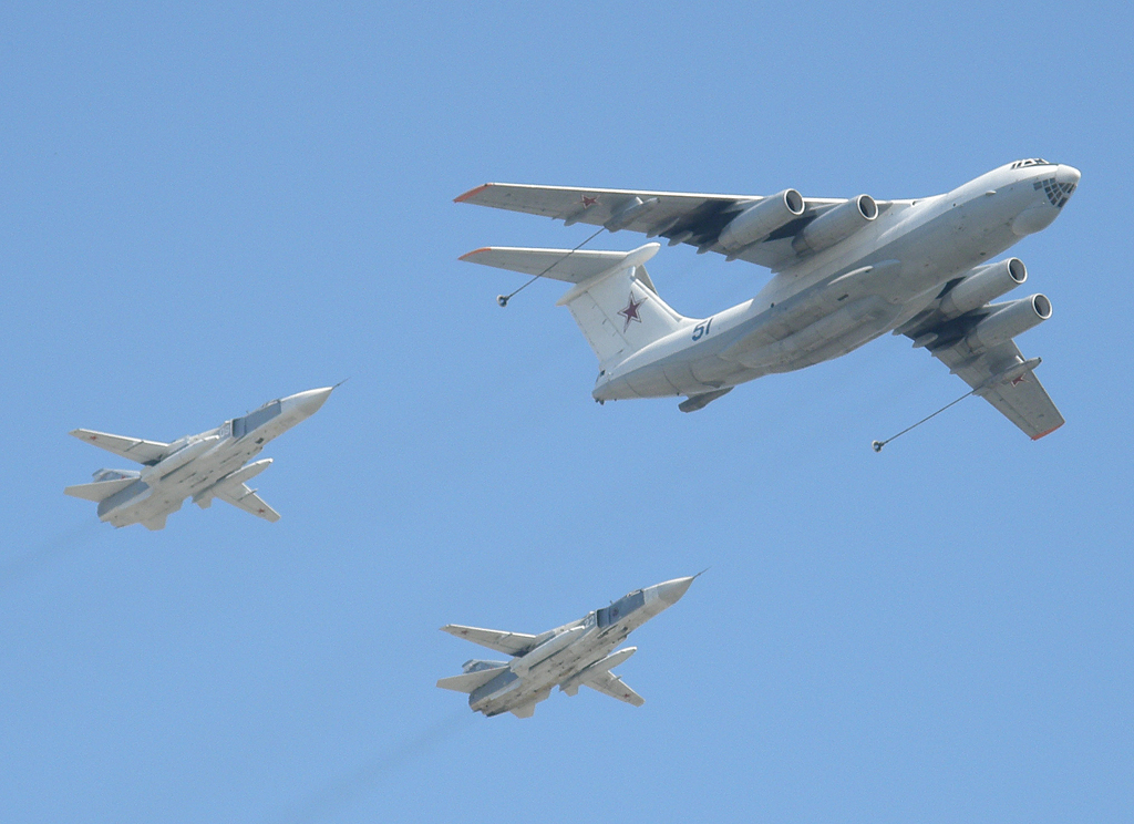 Sukhoi-24 aircraft trailing an Ilyushin Il-78 in