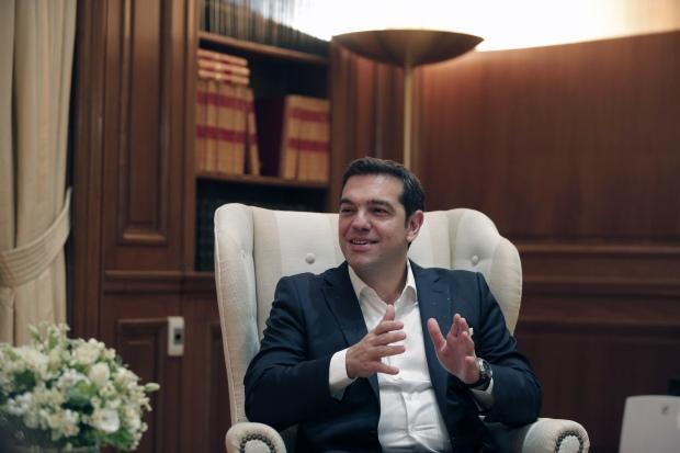 Greece Tsipras names cabinet hands top job to pro-euro economist Tsakalotos