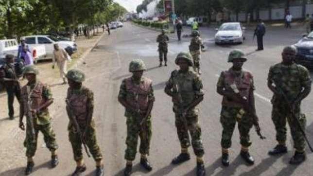 30092015C Nigerian Army soldiers 400x300
