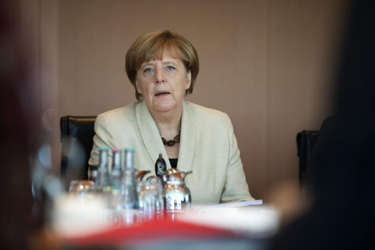 Germany pledges 100 mln euros for refugees