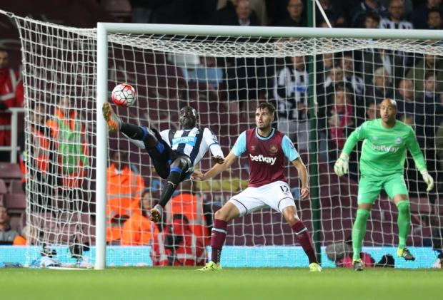 Papiss Cisse attempts an overhead kick against West Ham
